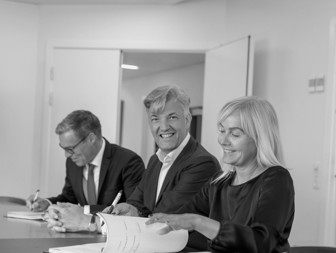 From left: COO at PFA Jon Johnsen, Group CEO at PFA Allan Polack, Anne Mette Toftegaard, CEO, LB Forsikring